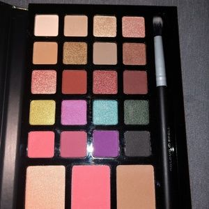 Colour Spell 23 Shade Eye And Cheek Palette